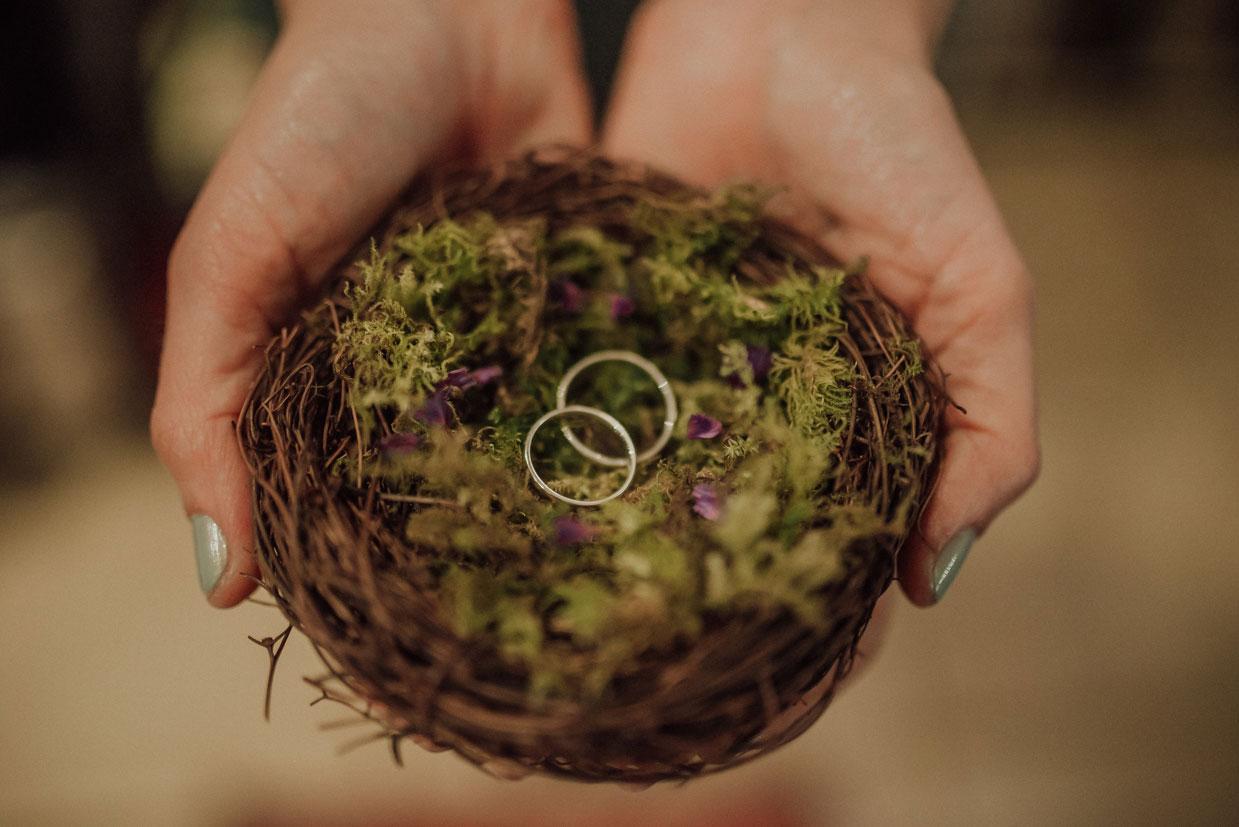 porta alianzas nido, anillos de boda