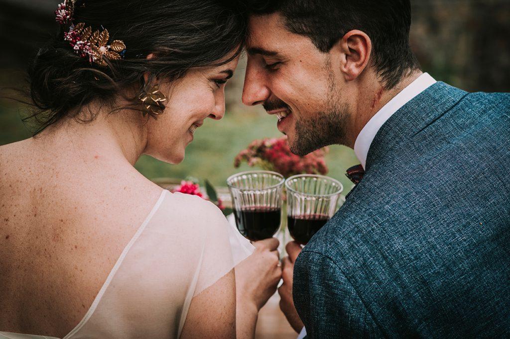 Editorial Recuerdos - Life moments design - Copas de vino novios